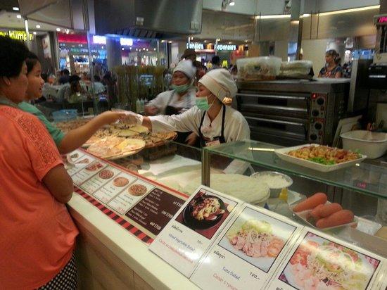 CentralFestival Pattaya Beach: 食べ物コーナー