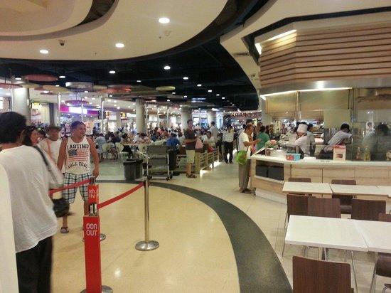 CentralFestival Pattaya Beach: 店内