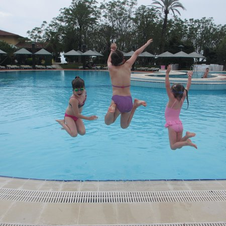 Belconti Resort Hotel: Fun in the pool