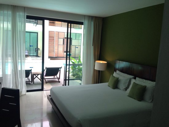 Centra by Centara Coconut Beach Resort Samui : Room (with direct pool access)
