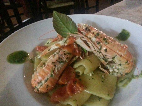 L'Aragosta: un primo piatto particolare con scampi