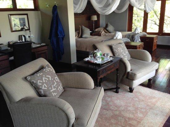 Royal Chundu Luxury Zambezi Lodges: Main dining room at RC