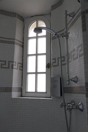Les Tourelles: Salle de bains