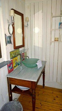 Chambres d'Hotes du Parc: Wash Hand Basin