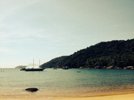 Aratinga Inn: Praia