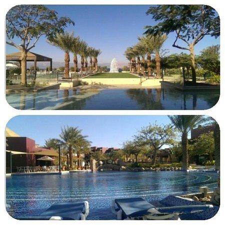 Movenpick Resort & Spa Tala Bay Aqaba: Pool and view from the restaurant