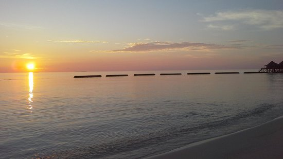 Komandoo Maldives Island Resort : Sunrise