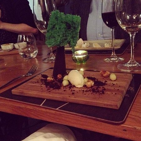The Elderflower Lymington: 'New Forest Gateau' dessert!