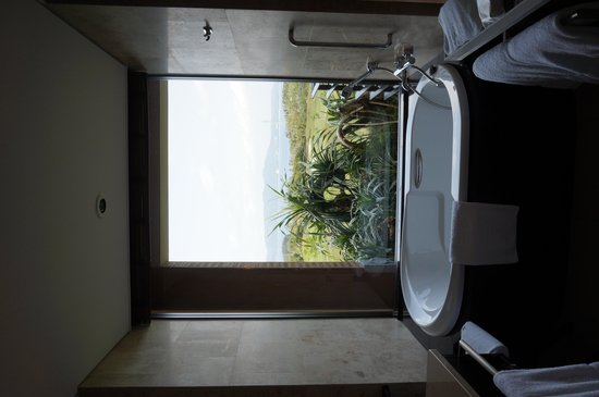 The Ritz-Carlton, Okinawa : view from the bathroom