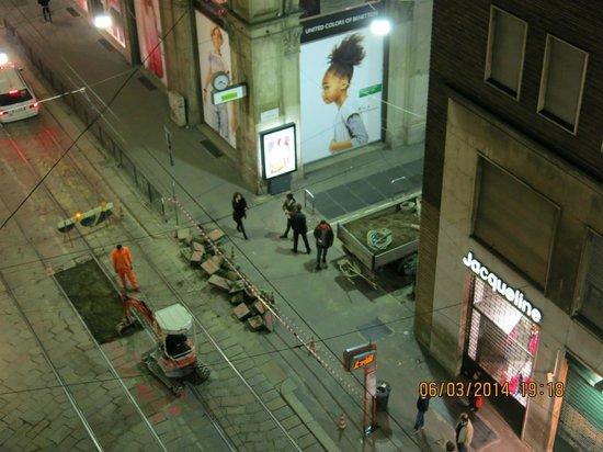 Hotel Rio: Ремонт дороги ночью