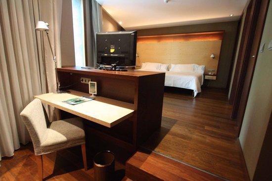 SOMMOS Hotel Aneto: Habitación