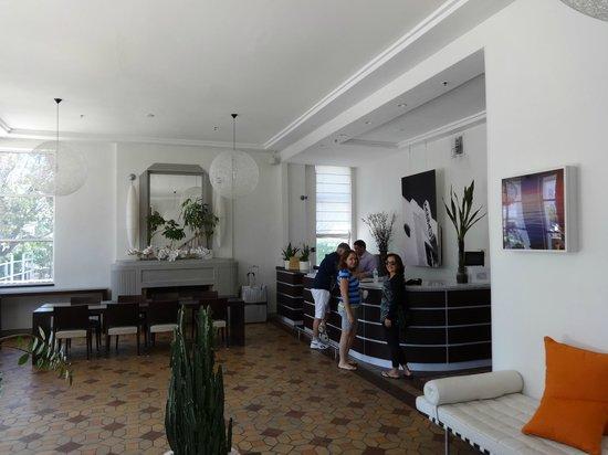 Nassau Suite Hotel: Recepção