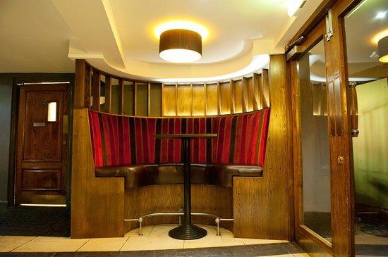The Swan Hotel: Bar