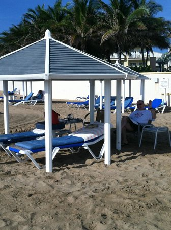 St. Kitts Marriott Resort & The Royal Beach Casino: duplicate pic of palapa