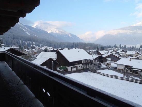 Sonnenburg Hotel: Fresh snow in April