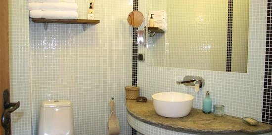 Lavanda Bed & Breakfast : Prvate bathroom; Duck Island enchanting bath products