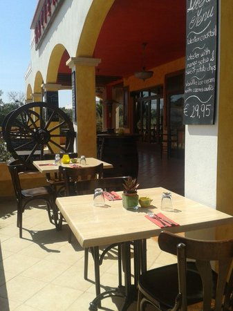 Restaurante La Hacienda: enjoy our nice sunny terras
