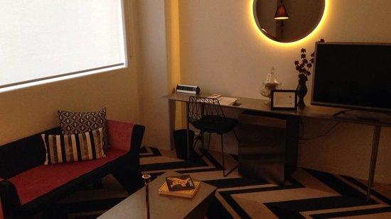 Adelphi Hotel: Plush King
