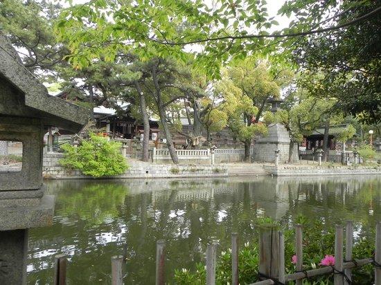 Sumiyoshi Taisha Shrine: wonderful garden within the premise