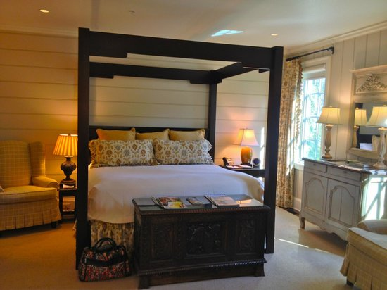 Old Edwards Inn and Spa: Beautiful, cozy well-appointed room!