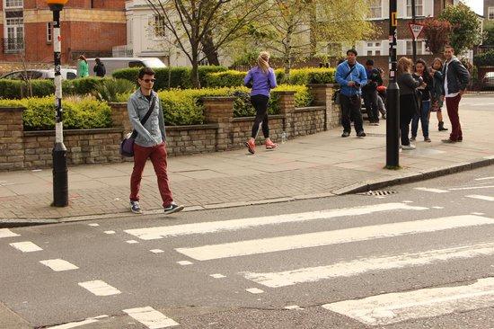 Abbey Road: Atravessando
