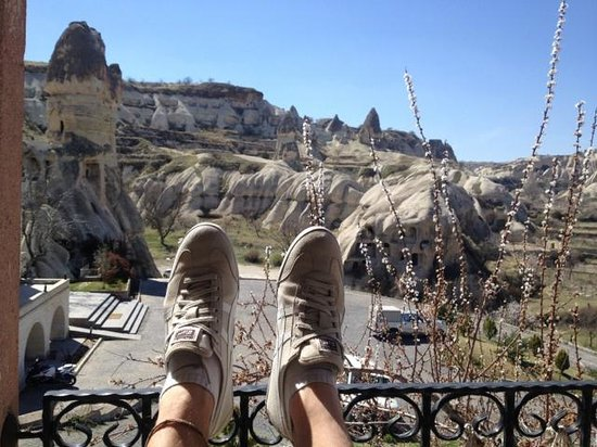 SOS Cave Hotel: balcony view