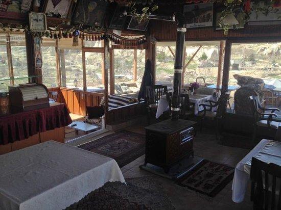 SOS Cave Hotel : lounge/restaurant