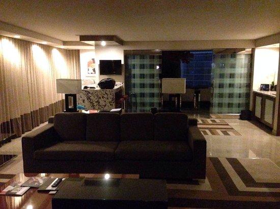 ARIA Resort & Casino: Executive suite living room