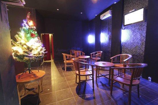 Green Leaf Hotel: Lounge