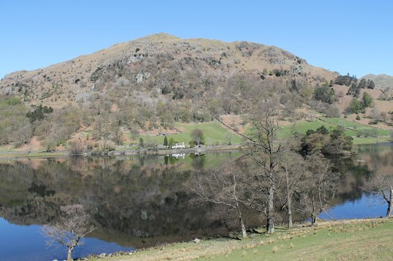 Rydal Water: house looks so small