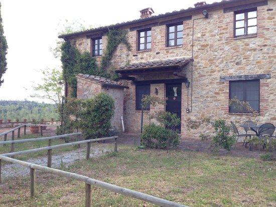 Azienda Agraria Le Crete Agriturismo: Ingresso alla camera Cypress