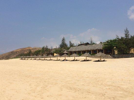 White Sands Resort: Beach