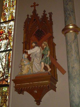 Cathédrale Saint-Jean-Baptiste : Stations of the Cross