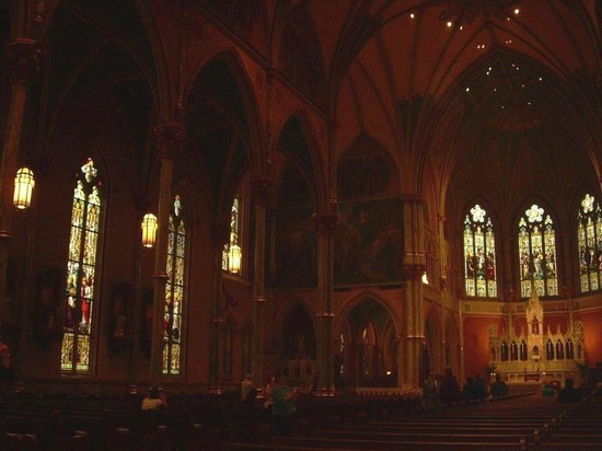 Cathédrale Saint-Jean-Baptiste : Even a not so good picture is worth it.