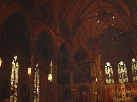 Cathédrale Saint-Jean-Baptiste : More detail