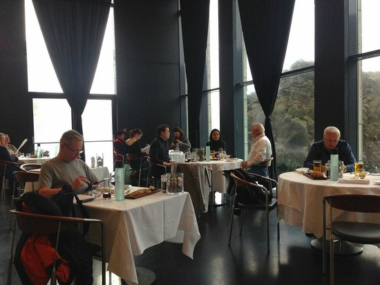 Lava Restaurant : Dining with large windows offers you a unique view