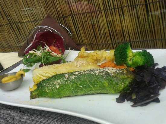 Il Punto Vegetariano: Involtini di verza con ceci, cappucci e crema tofu!