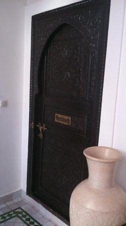 Riad Ain Marrakech : l'une des portes de chambre