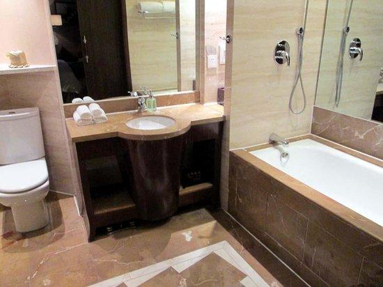 BEST WESTERN World Trade Hotel Jinhua: bathroom