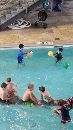Renaissance Minneapolis Hotel, The Depot: Great pool area for kids