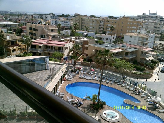 AluaSoul Palma: Another view from the balcony Hotel Marina Luz