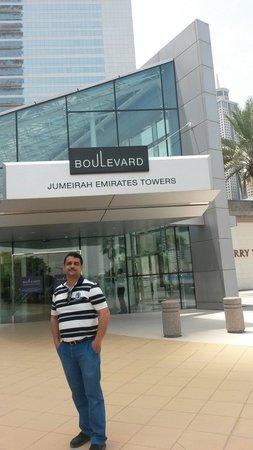 Jumeirah Emirates Towers : Allani hasen 2014