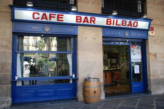 Cafe Bar Bilbao: Café bar Bilbao, Casco viejo de  Bilbao