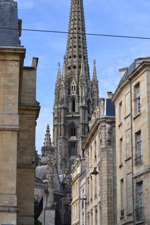 La Flèche Saint-Michel : sans rentrer dans le cadre