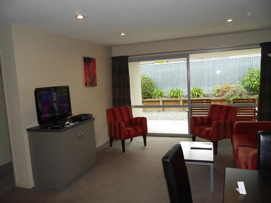 388 on Tay: Spacious lounge in Exec 1 bed unit