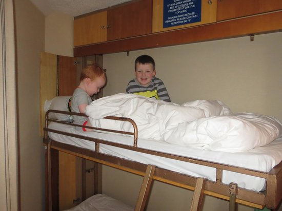 Hilton Blackpool Hotel: Boys loved the bunk beds!