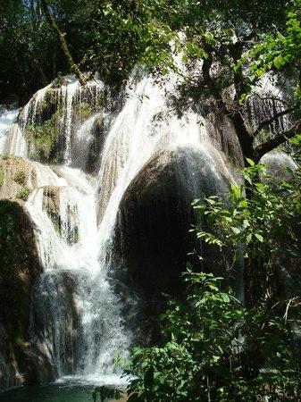Boca da Onça Falls: Queda d'água