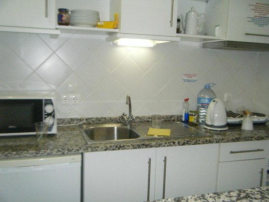 Balaia-Sol Holiday Club: kitchen area