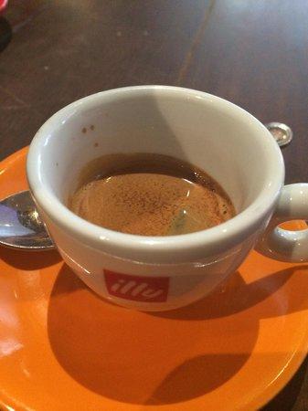 La Boca Latino Bar: illy coffee