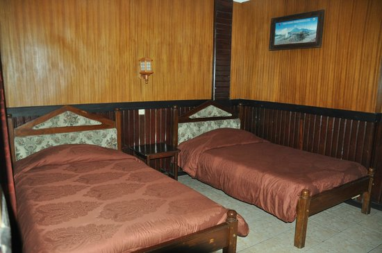 Lava View Lodge : The bed